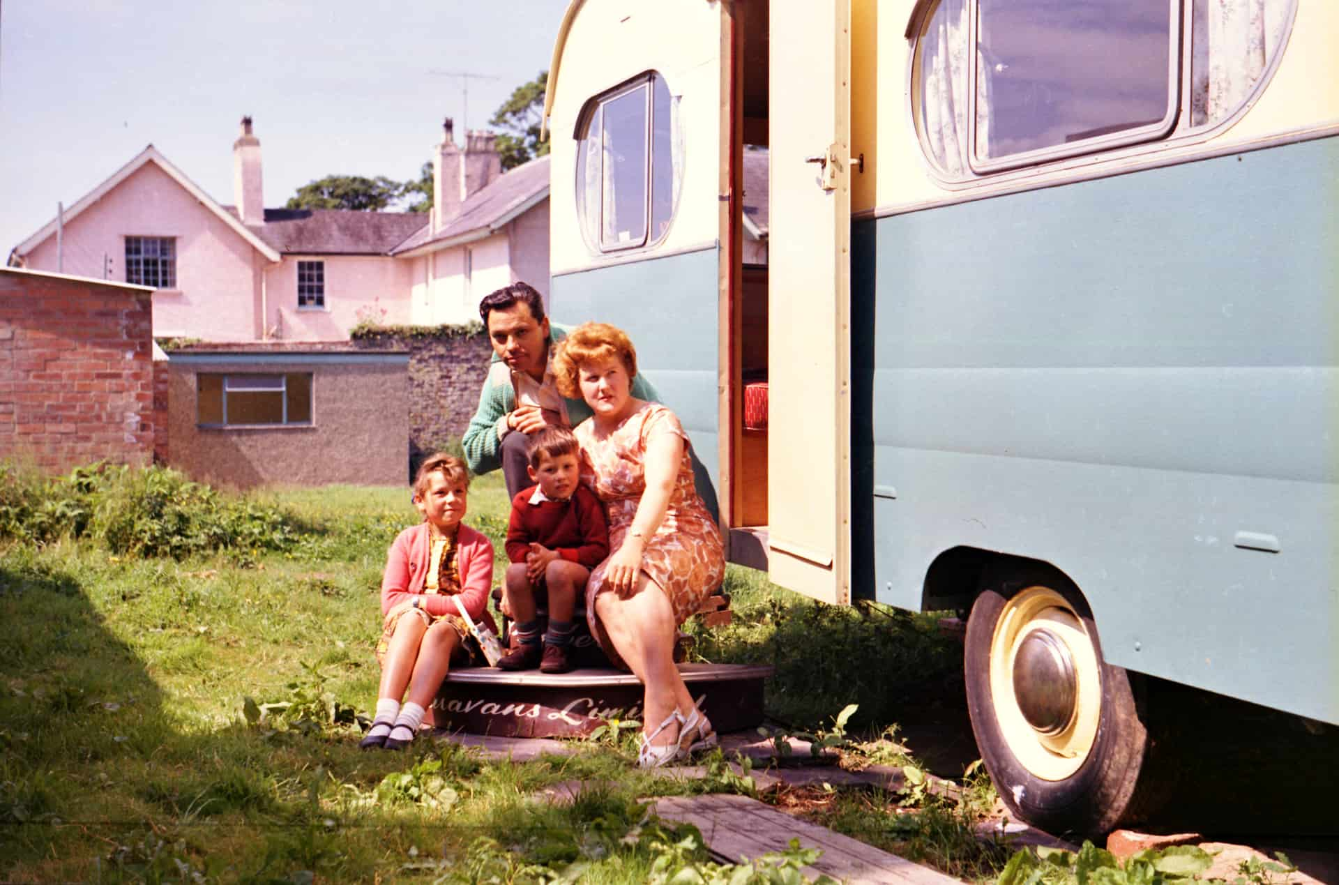 Ron Moss and Family self-portrait, 1962. Courtesy the Ron Moss Collection