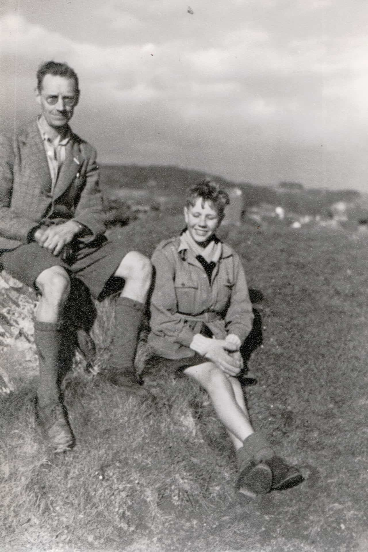 Bob with his father Robert Leslie Mansell in Wales 1940s