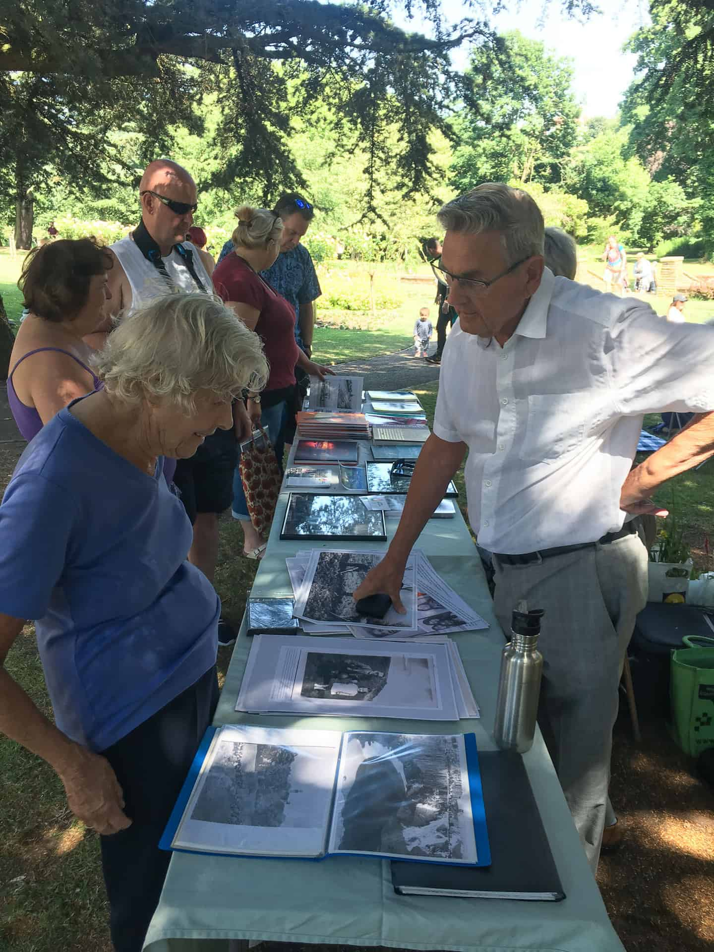 Former Land Army girl Nancy Cooper talks to Living Memory project vollunteer Jim Rippin at Midsummer Music in the Park event