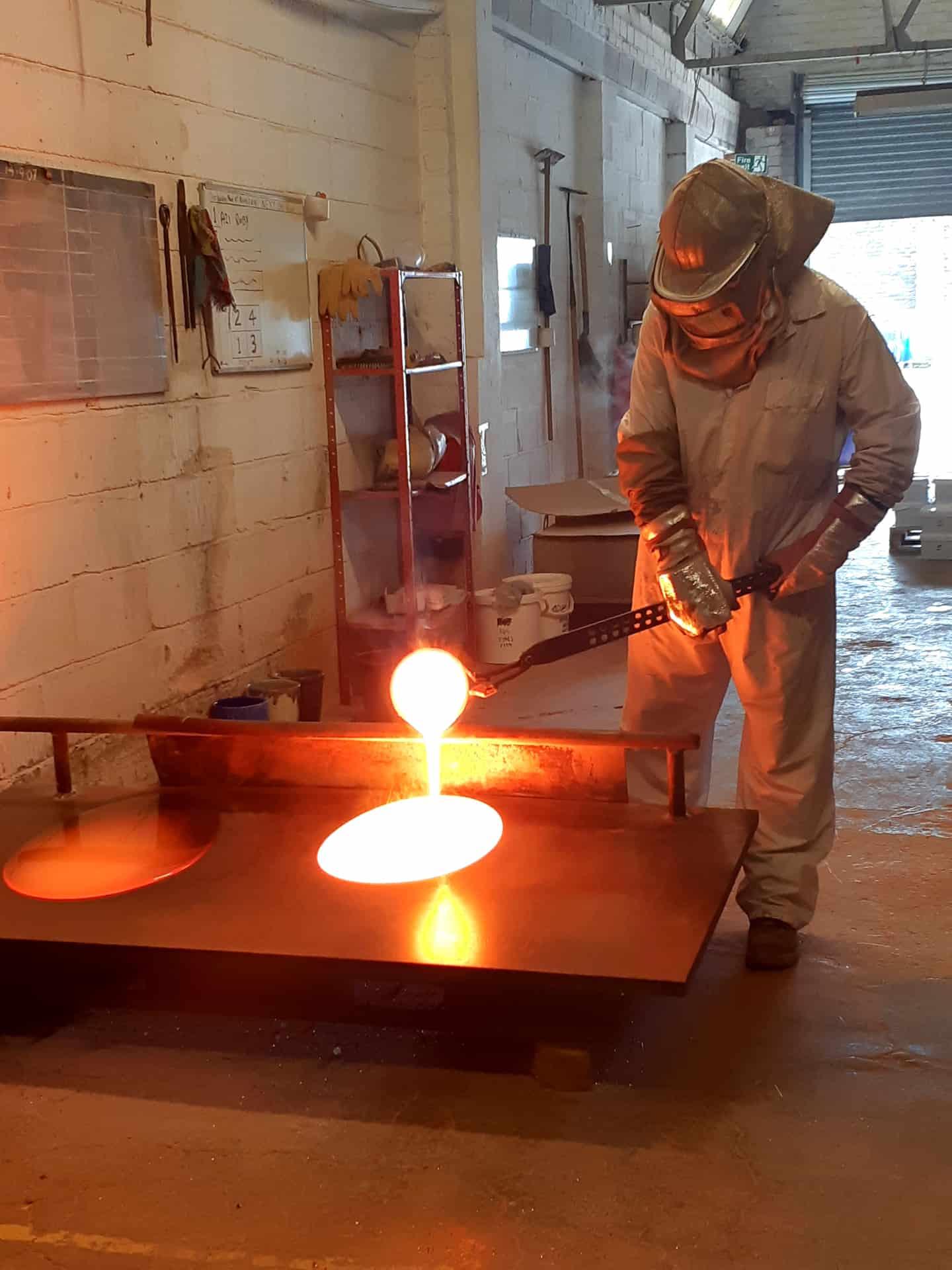Milton Bridge, manufacturing enamel, pouring of the ruby glass