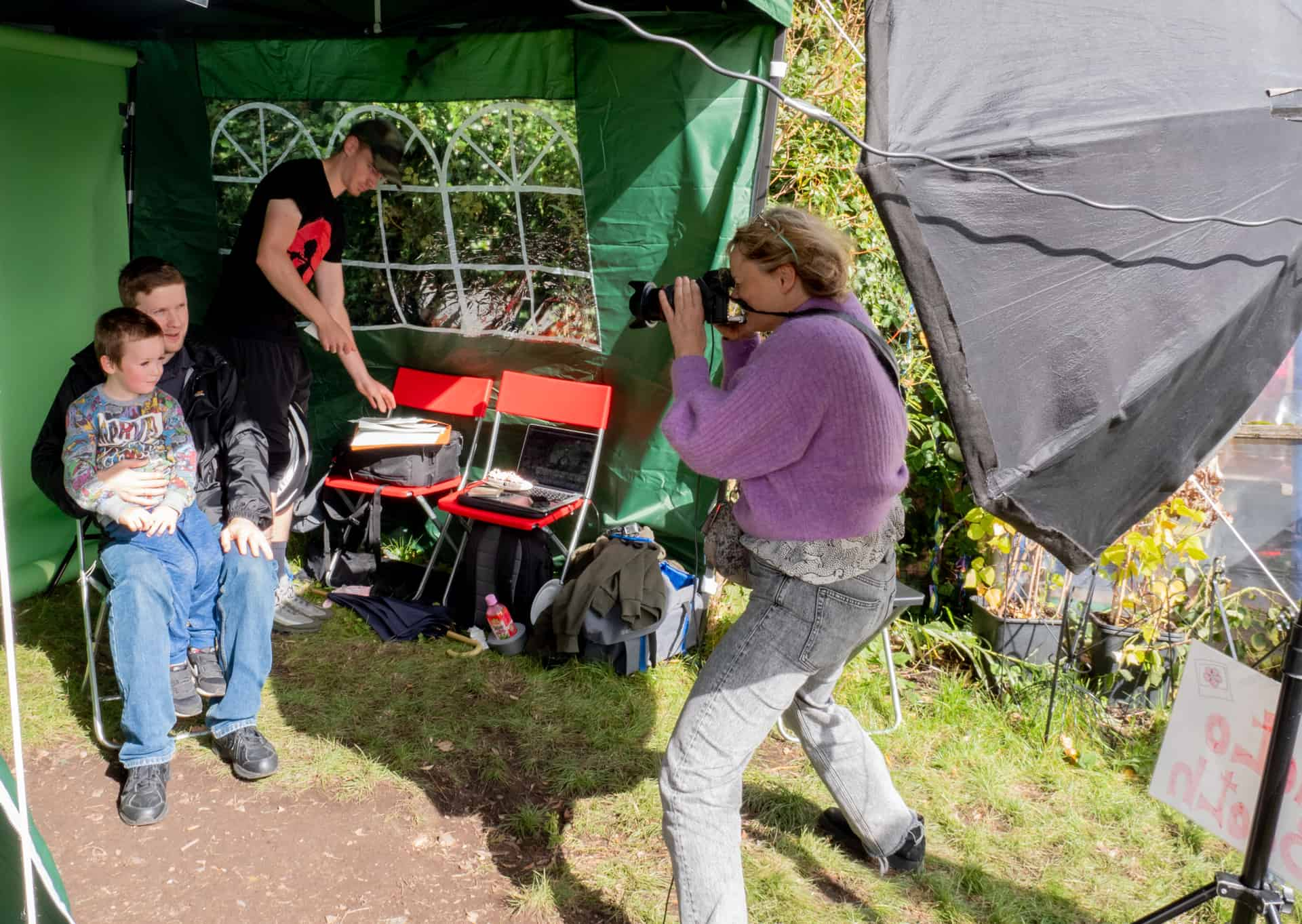 Caroline at work on the pop-up photography studio at Caldmore Community Gardens open day.