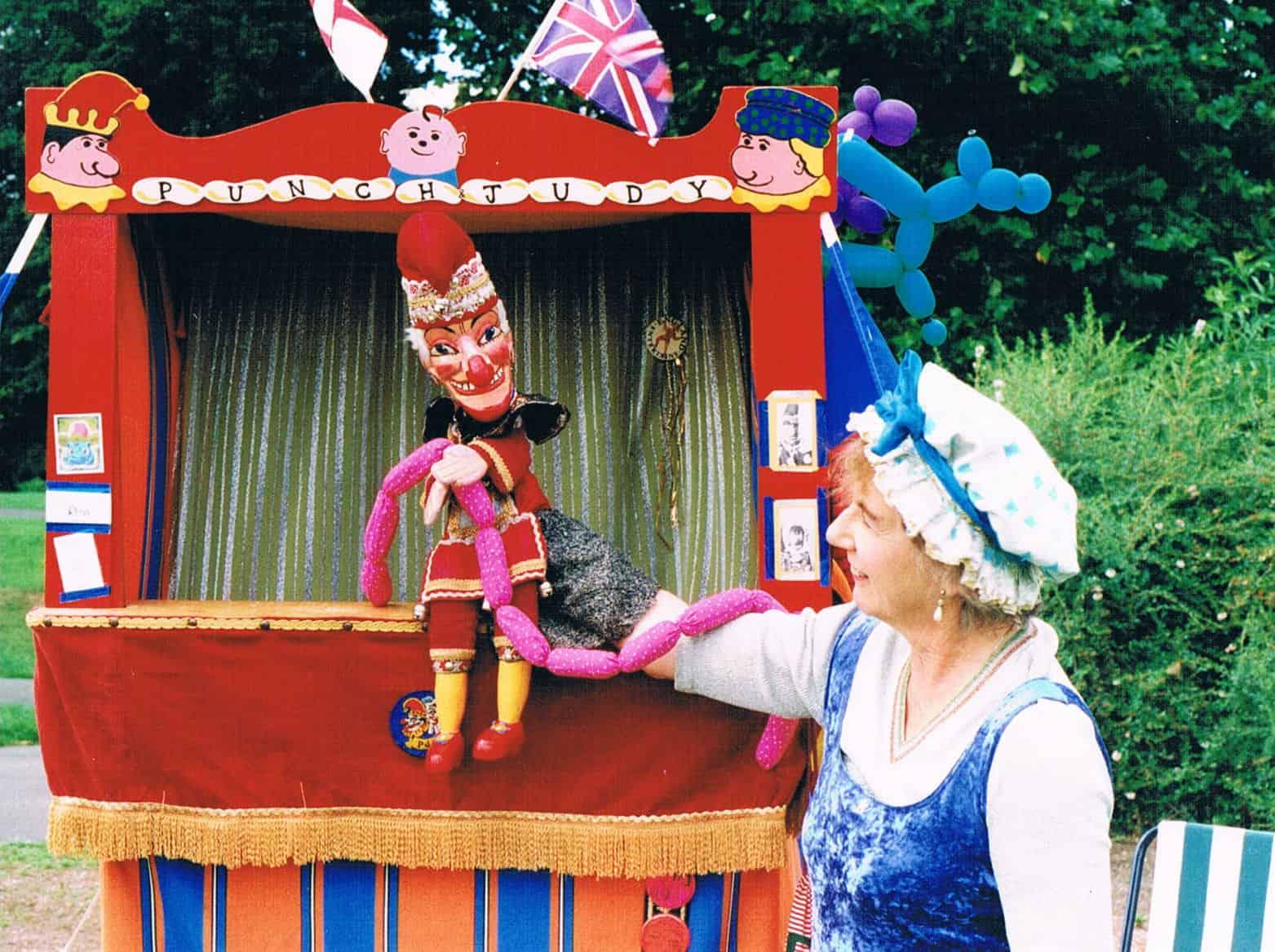 Punch & Judy 2000 Wton West Pk_