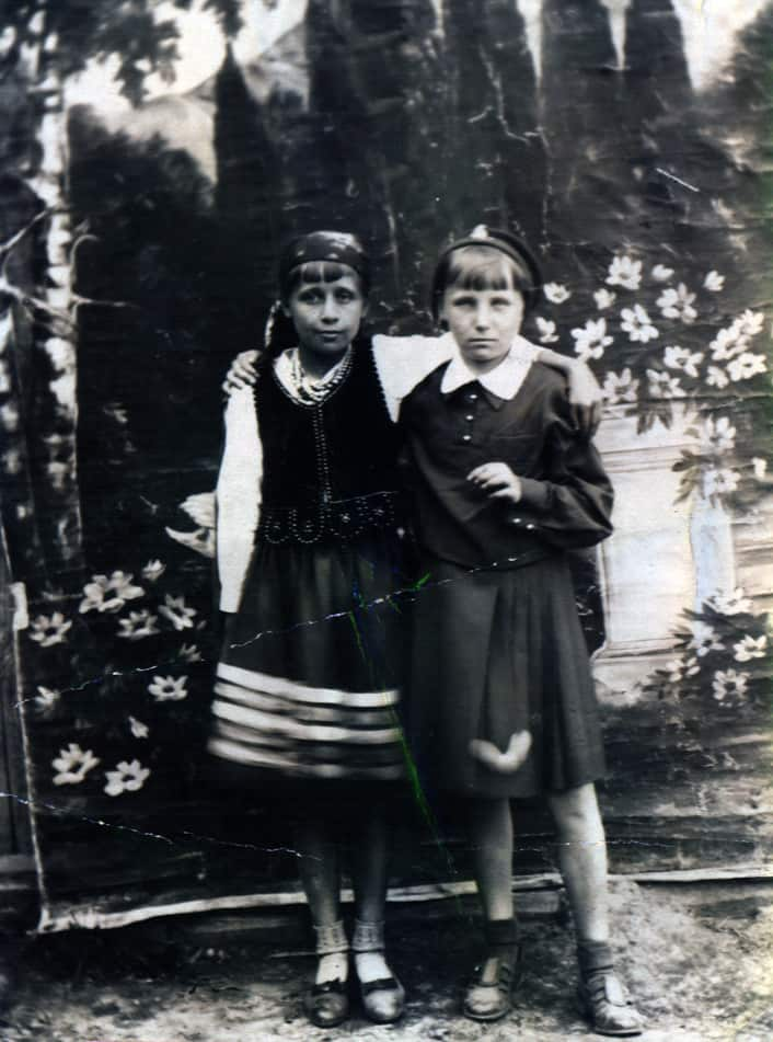 The only pre-war existing photograph of Henryka (on right), shortly before she failed her entrance exam